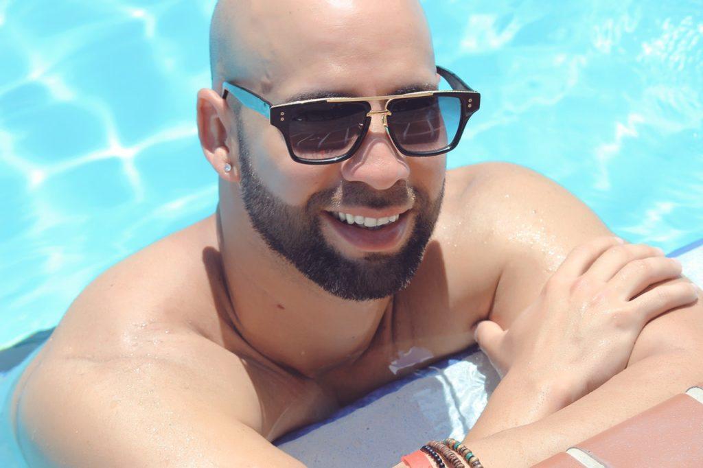 divatos férfi napszemüvegek