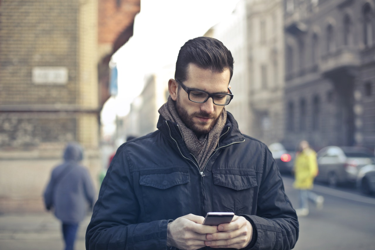 divatos férfi szemüvegek