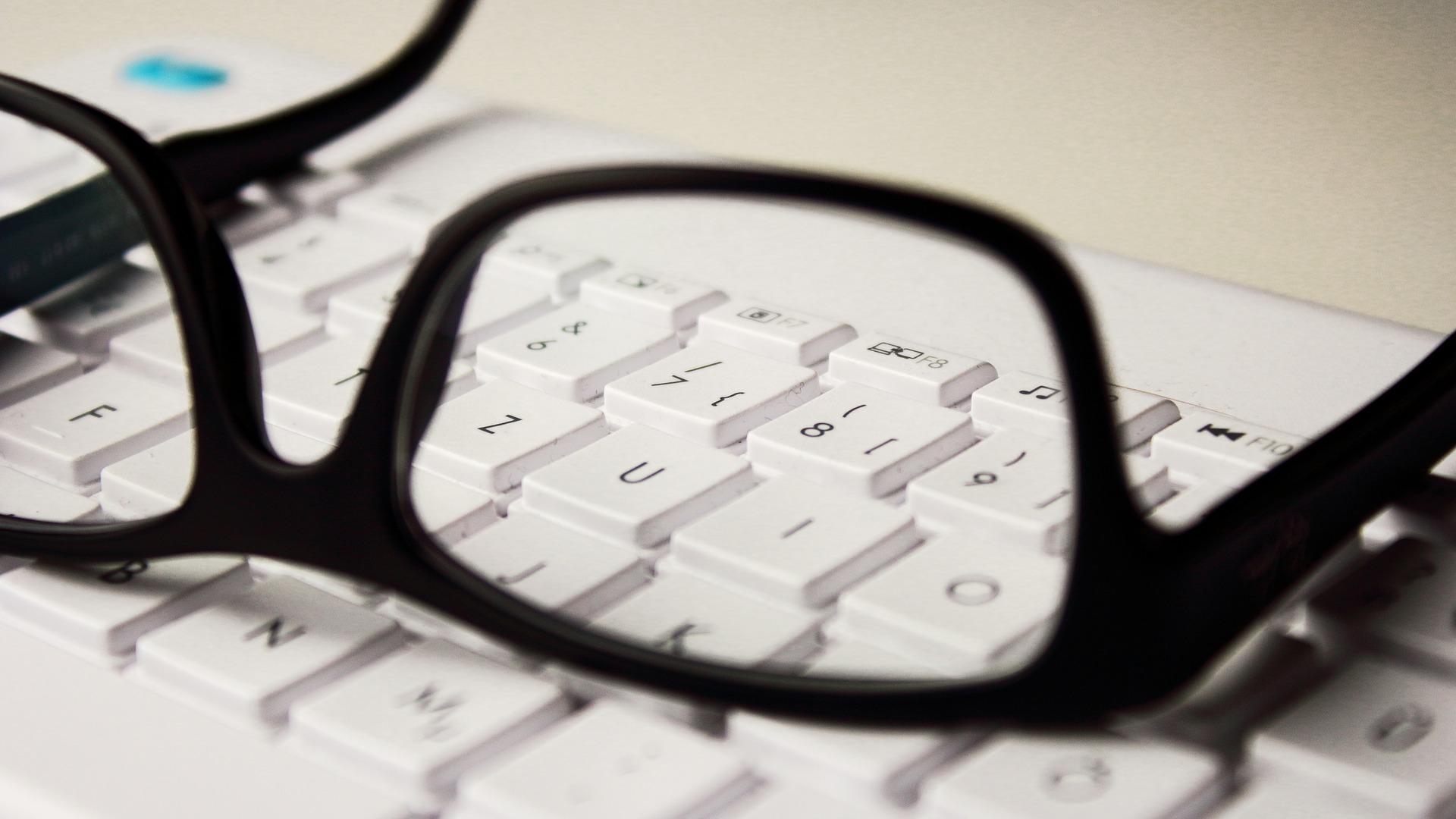 munkahelyi szemüveg