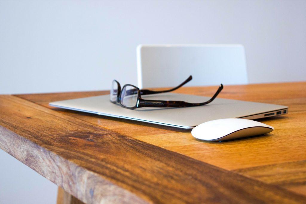 szemüvegek munkahelyre