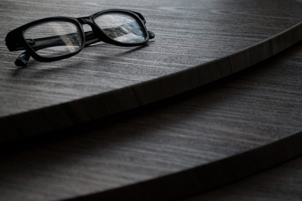 tommy hilfiger szemüvegek
